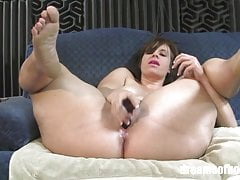PAWG Virgo Peridot in Sexy Spread (HD)